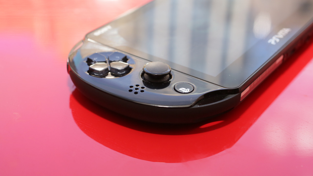 playstation-vita-slim-product-photos05