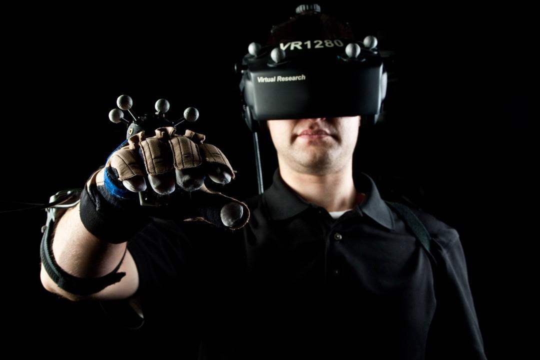 Apple-Entering-Virtual-Reality-Realm-Starts-Hiring-465840-3